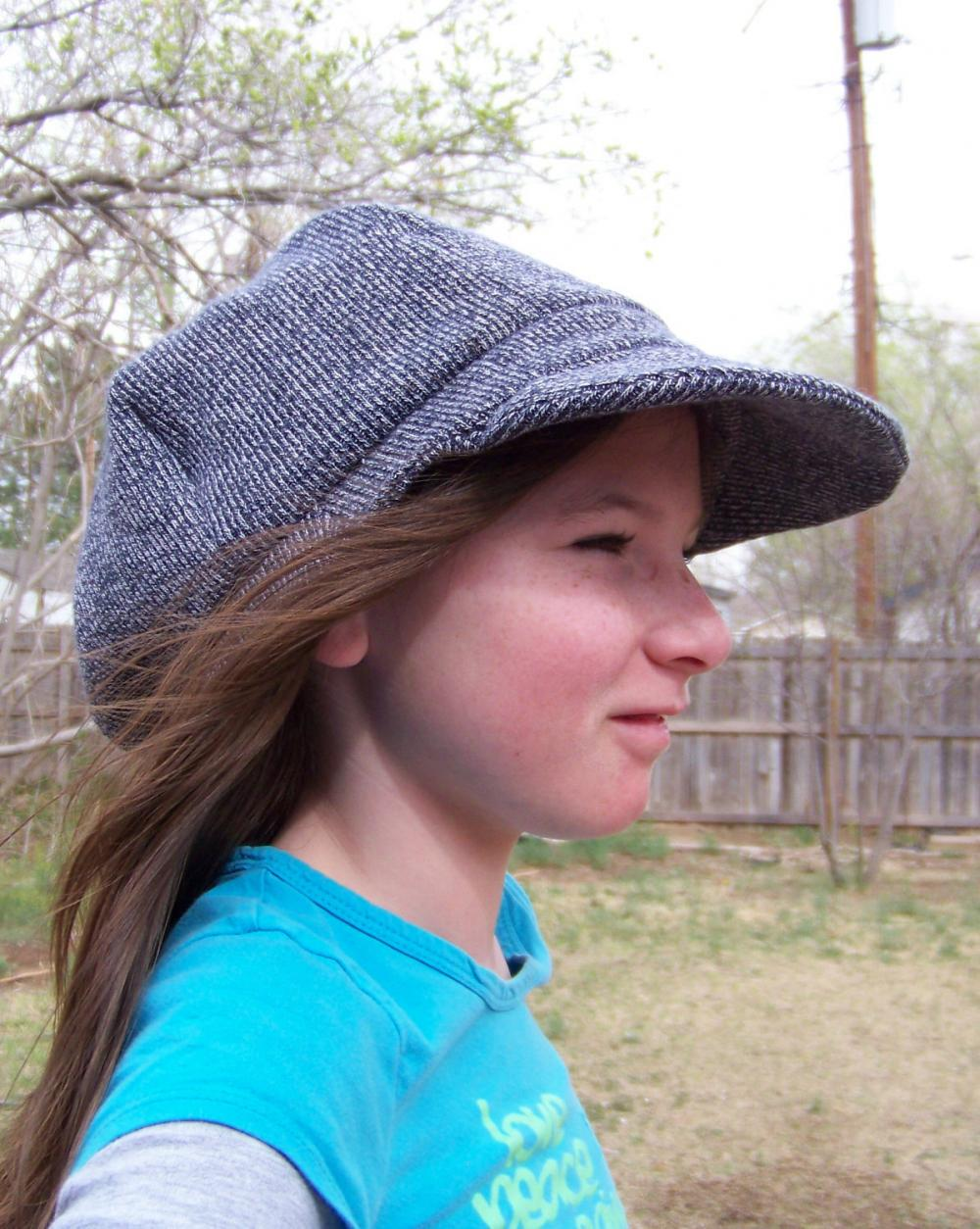 "Sz. 25"" Newsboy Cap Hat in Recycled cotton knit - black white"